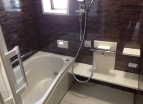 お風呂をシックなバスルームにリフォーム